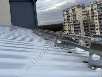 osteklenie otdelka balkona PVH s kryshej 3 387x291 - Фото остекления одного балкона № 31
