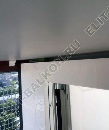 shkaf na balkone pod konditsioner10 387x291 - Фото остекления одного балкона № 28