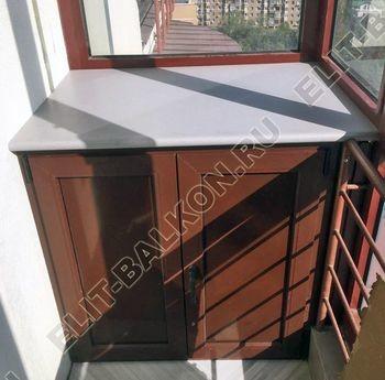 shkaf na balkone pod konditsioner11 387x291 - Фото остекления одного балкона № 28