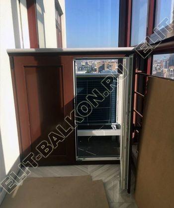 shkaf na balkone pod konditsioner5 387x291 - Фото остекления одного балкона № 28