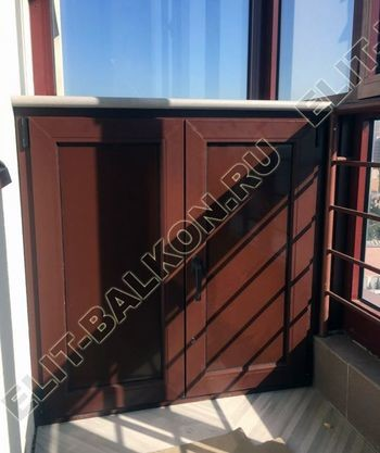 shkaf na balkone pod konditsioner7 387x291 - Фото остекления одного балкона № 28