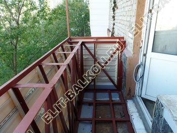 ukreplenie balkona s vynosom i falshkrovlja18 387x291 - Фото остекления одного балкона № 30