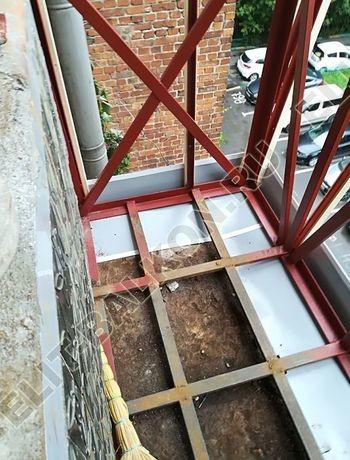 ukreplenie balkona s vynosom i falshkrovlja3 387x291 - Фото остекления одного балкона № 30