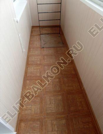 osteklenie lodzhii slajdors s otdelkoj i sohraneniem pozharnoj lestnitsy16 387x291 - Фото остекления одного балкона № 35