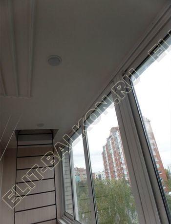 osteklenie lodzhii slajdors s otdelkoj i sohraneniem pozharnoj lestnitsy19 387x291 - Фото остекления одного балкона № 35