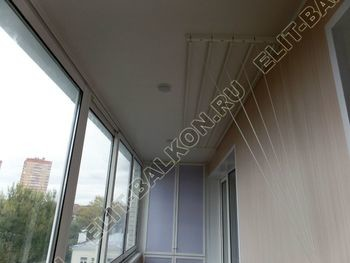osteklenie lodzhii slajdors s otdelkoj i sohraneniem pozharnoj lestnitsy30 387x291 - Фото остекления одного балкона № 35