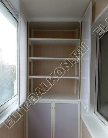 osteklenie lodzhii slajdors s otdelkoj i sohraneniem pozharnoj lestnitsy32 387x291 - Фото остекления одного балкона № 35