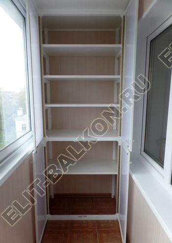 osteklenie lodzhii slajdors s otdelkoj i sohraneniem pozharnoj lestnitsy35 387x291 - Фото остекления одного балкона № 35