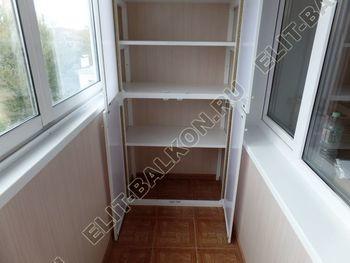 osteklenie lodzhii slajdors s otdelkoj i sohraneniem pozharnoj lestnitsy36 387x291 - Фото остекления одного балкона № 35