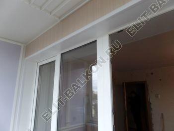 osteklenie lodzhii slajdors s otdelkoj i sohraneniem pozharnoj lestnitsy40 387x291 - Фото остекления одного балкона № 35