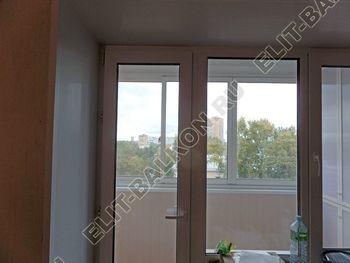 osteklenie lodzhii slajdors s otdelkoj i sohraneniem pozharnoj lestnitsy43 387x291 - Фото остекления одного балкона № 35