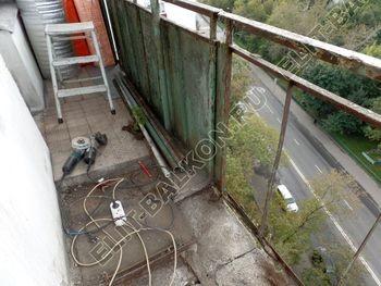 osteklenie otdelka balkona PVH s kryshej 21 387x291 - Фото остекления одного балкона № 34