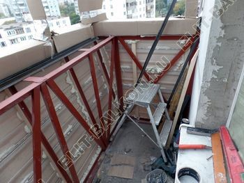 osteklenie otdelka balkona PVH s kryshej 25 387x291 - Фото остекления одного балкона № 34