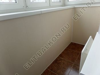 osteklenie otdelka balkona PVH s kryshej 42 387x291 - Фото остекления одного балкона № 34