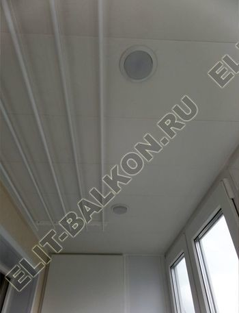 osteklenie otdelka balkona PVH s kryshej 43 387x291 - Фото остекления одного балкона № 34