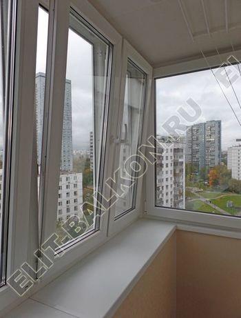 osteklenie otdelka balkona PVH s kryshej 56 387x291 - Фото остекления одного балкона № 34
