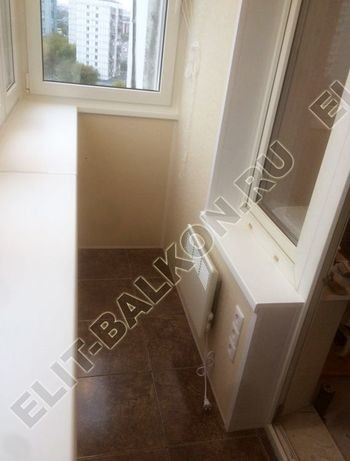 osteklenie otdelka balkona PVH s kryshej 63 387x291 - Фото остекления одного балкона № 34