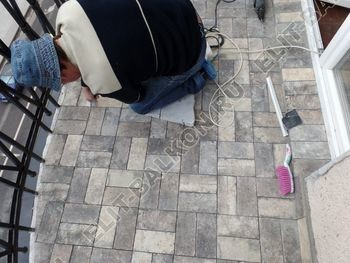 ukreplenie balkonnoj plity gidroizoljatsija ukladka plitki24 387x291 - Фото остекления окон № 38