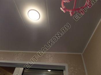 osteklenie lodjii PVH vnutrennyaya otdelka shkaf17 387x291 - Фото остекления лоджии № 41