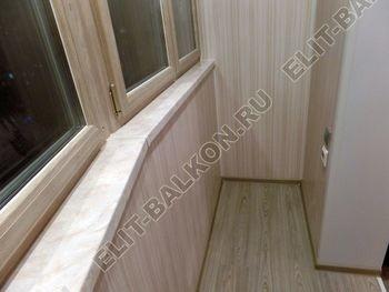 osteklenie lodzhii s vnutrennej otdelkoj obiedinenie s komnatoj teplyj pol3 387x291 - Фото остекления балкона № 43