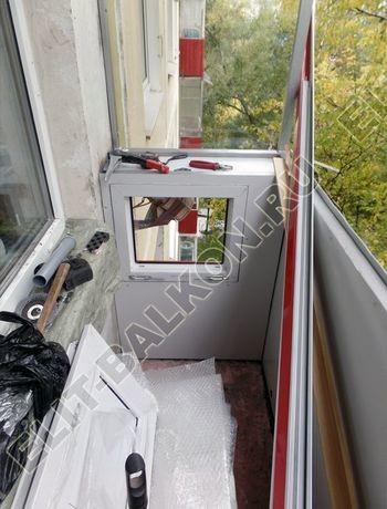 Balkon bez osteklenija krysha iz polikarbonata13 387x291 - Фото остекления балкона № 44
