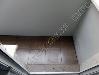 Balkon bez osteklenija krysha iz polikarbonata2 387x291 - Фото остекления балкона № 44