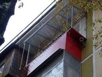 Balkon bez osteklenija krysha iz polikarbonata4 387x291 - Фото остекления балкона № 44