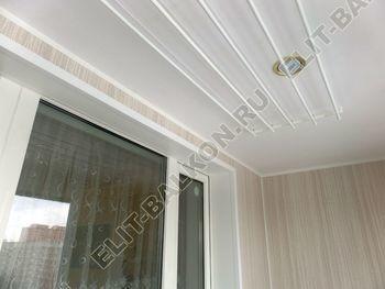 osteklenie lodzhii pvh otdelka osveschenie potolochnaja sushka4 387x291 - Фото остекления балкона № 46