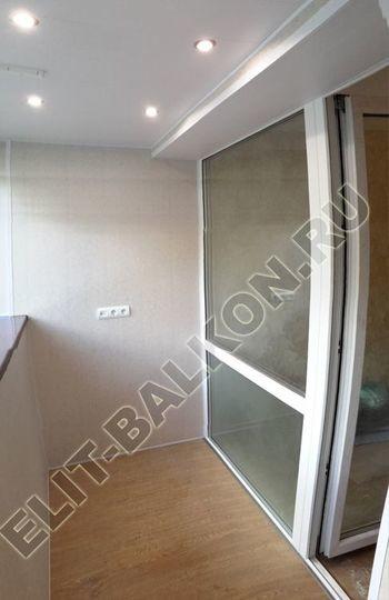 Osteklenie PVH lodzhii s betonnym parapetom vynos otdelka 15 387x291 - Фото остекления балкона № 52