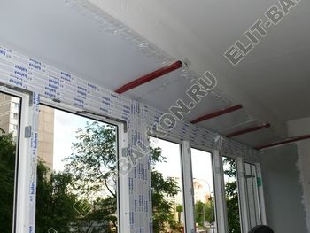 Osteklenie PVH lodzhii s betonnym parapetom vynos otdelka 30 387x291 - Фото остекления балкона № 52