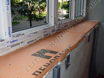 Osteklenie PVH lodzhii s betonnym parapetom vynos otdelka 31 1 387x291 - Фото остекления балкона № 52