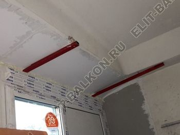Osteklenie PVH lodzhii s betonnym parapetom vynos otdelka 4 1 387x291 - Фото остекления балкона № 52
