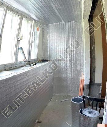 Osteklenie PVH lodzhii s betonnym parapetom vynos otdelka 7 1 387x291 - Фото остекления балкона № 52