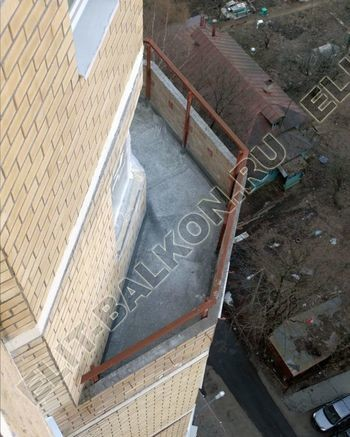 osteklenie balkona PVH s kryshej 30 387x291 - Фото остекления балкона № 47