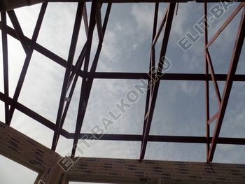 osteklenie balkona PVH s kryshej 50 387x291 - Фото остекления балкона № 47