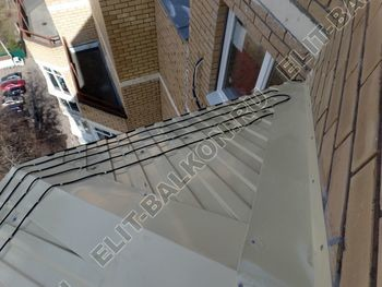 osteklenie balkona PVH s kryshej 56 387x291 - Фото остекления балкона № 47