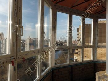 osteklenie balkona PVH s kryshej 58 387x291 - Фото остекления балкона № 47