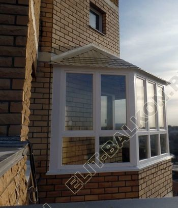 osteklenie balkona PVH s kryshej 63 1 387x291 - Фото остекления балкона № 47