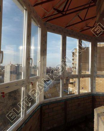 osteklenie balkona PVH s kryshej 73 387x291 - Фото остекления балкона № 47