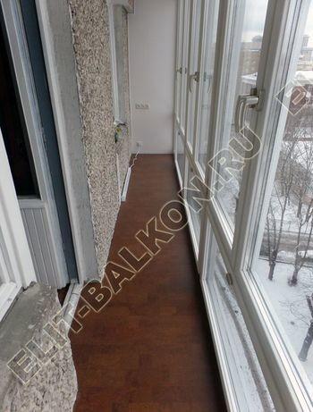 osteklenie lodzhii PVH ot pola do potolka s ukrepleniem plity 24 387x291 - Фото остекления балкона № 48