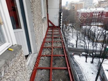 osteklenie lodzhii PVH ot pola do potolka s ukrepleniem plity 9 387x291 - Фото остекления балкона № 48