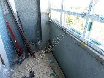 osteklenie lodzhii PVH s kryshej i vnutrennej otdelkoj 1 387x291 - Фото остекления балкона № 51