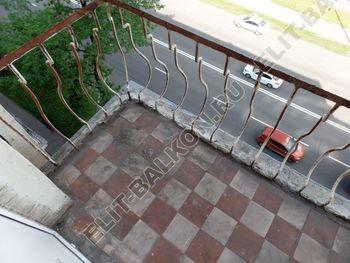 osteklenie balkona legkoj aljuminievoj konstruktsiej montazh kryshi 1 387x291 - Фото остекления балкона № 58
