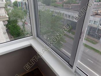 osteklenie balkona legkoj aljuminievoj konstruktsiej montazh kryshi 17 387x291 - Фото остекления балкона № 58
