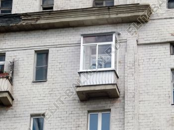 osteklenie balkona legkoj aljuminievoj konstruktsiej montazh kryshi 19 387x291 - Фото остекления балкона № 58