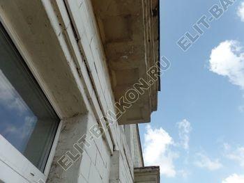 osteklenie balkona legkoj aljuminievoj konstruktsiej montazh kryshi 2 387x291 - Фото остекления балкона № 58