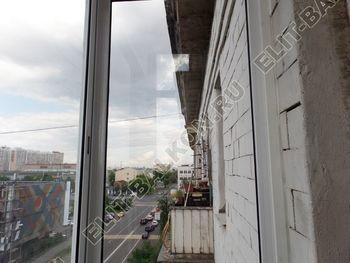 osteklenie balkona legkoj aljuminievoj konstruktsiej montazh kryshi 6 387x291 - Фото остекления балкона № 58