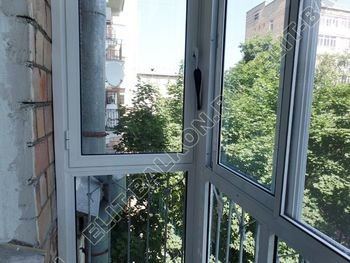 osteklenie balkona s rigeljami aljuminiem 9 387x291 - Фото остекления балкона № 57