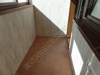 otdelka teplogo balkona osteklenie PVH s laminatsiej 41 387x291 - Фото остекления балкона № 60