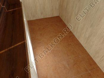 otdelka teplogo balkona osteklenie PVH s laminatsiej 9 387x291 - Фото остекления балкона № 60